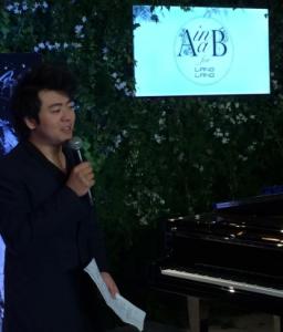 Lang Lang, pianiste chinois de génie, expliquant son approche du parfum
