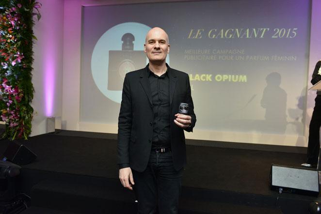 STÉPHANE BEZY DIRECTEUR GÉNÉRAL INTERNATIONAL DE YVES SAINT LAURENT BEAUTÉ Prix des professionnels - meilleure campagne féminin - Black Opium