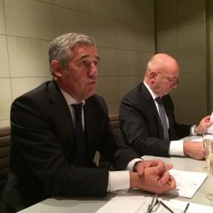 Philippe Ughetto (Président de la FFF) et Bertrand Vachon (Fiduciaire Haussmann) lors de l'AG du 9 novembre 2015