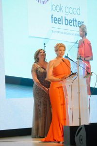 Annalise Fard, Présidente de la FF UK et Linda Key, CEO, lors de la soirée de remise des FIFI UK, le 12 mai 2016