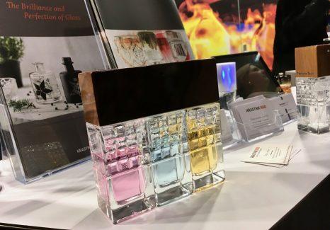 Un flacon de parfum connecté